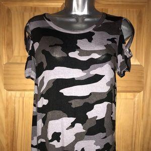 Rock & republic camo shirt NWOT
